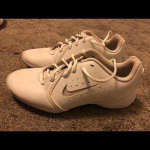 Nike Shoes Size 6.5 in almost perfect condition
